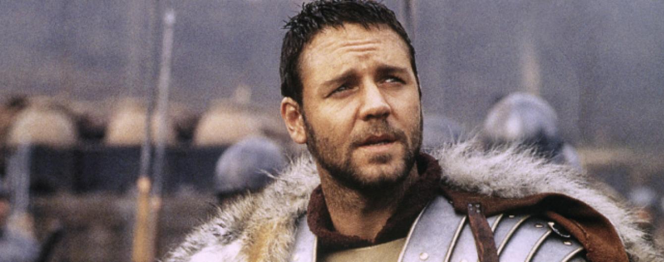 Голлівудська зірка Рассел Кроу добряче погладшав та відпустив бороду