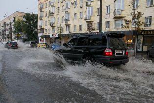 У Києві встановлять нову дощову каналізацію на вулицях, які затопило під час аномальної зливи