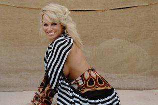 Памела Андерсон публично призналась в любви младшему на 20 лет бойфренду