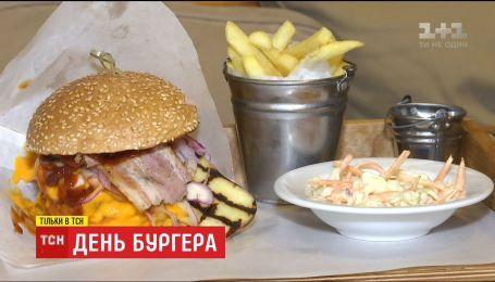 День рождения бургера: как приготовить популярное американское блюдо дома