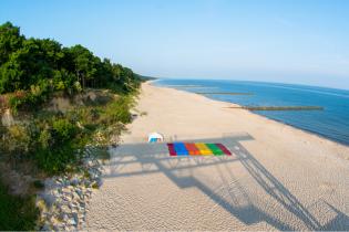 У Польщі закрили понад 50 пляжів Балтійського моря через токсичну бактерію