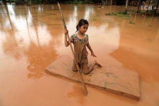 Более тысячи человек пропали без вести после прорыва дамбы в Лаосе