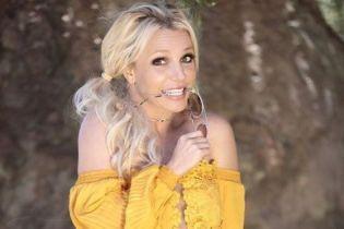 После психушки Бритни Спирс смутила фанатов видео, где она корчит гримасы