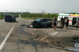 На Донеччині у кривавій ДТП загинуло троє людей, ще семеро травмовані