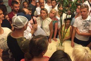 Застрявших в Египте украинских туристов разместили в гостиницах