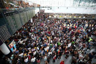 В аэропорту Мюнхена из-за подозрительной женщины отменили почти 330 рейсов