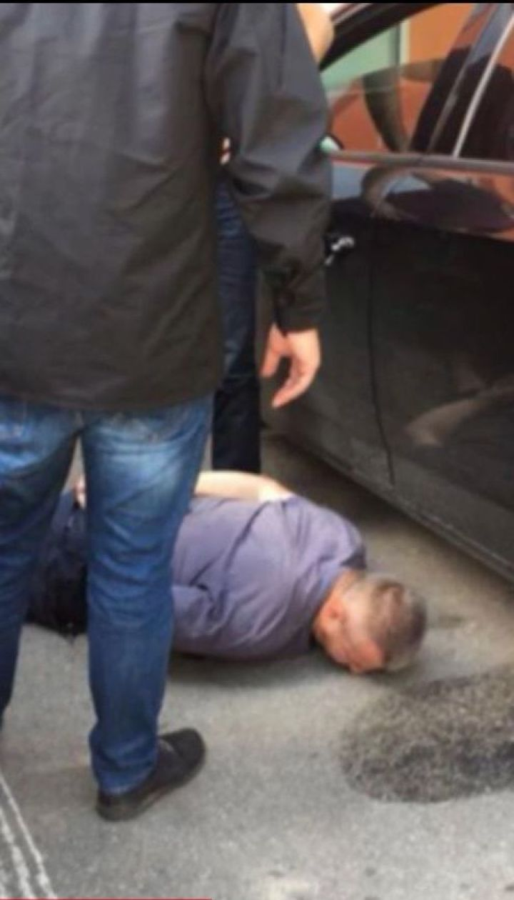 В Винницкой области на взятке поймали прокурора местной прокуратуры и водителя