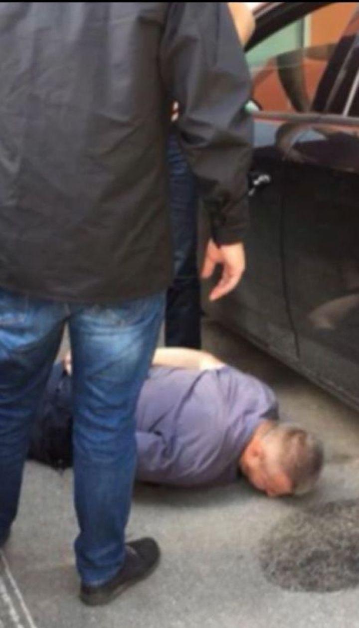 На Вінниччині на хабарі спіймали прокурора місцевої прокуратури та водія