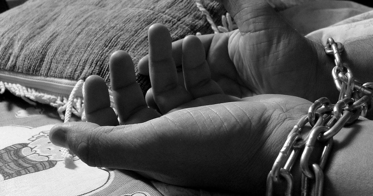 Трудове або сексуальне рабство: стало відомо, скільки українців стали жертвами торгівлі людьми