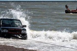 Спасение утопающего Range Rover превратилось в фарс