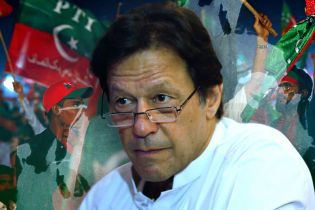 Пакистанський вибір: куди відіб'є м'яч Імран Хан?