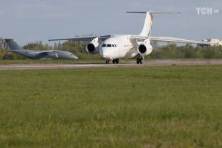 Українська авіакомпанія закупить два пасажирських літаки Ан-158