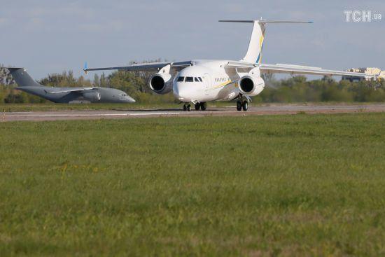 В Україні незабаром почнуть виконувати внутрішні рейси новенькі Ан-158