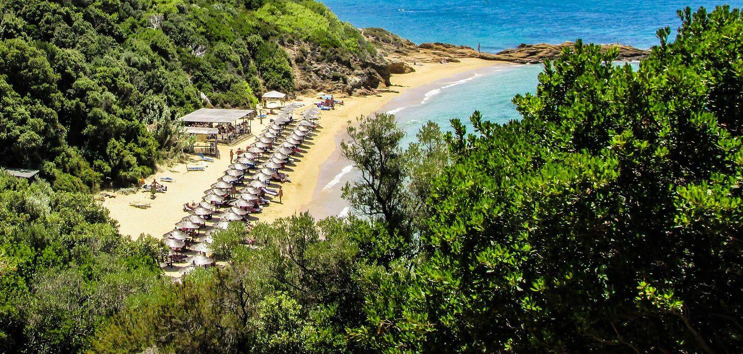 Малий банановий пляж, Греція