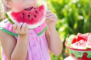 Як не отруїтися звичайною їжею влітку та коли можна їсти кавун. Поради лікарів