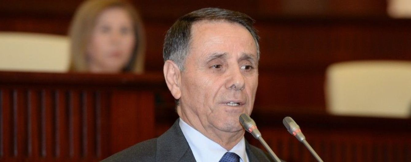 Прем'єр Азербайджану дорогою на роботу врятував чоловіка від самогубства