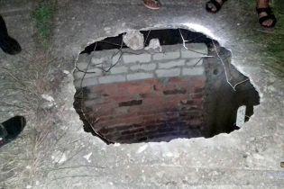 На Харківщині у каналізаційному колекторі виявили тіло 23-річного бійця