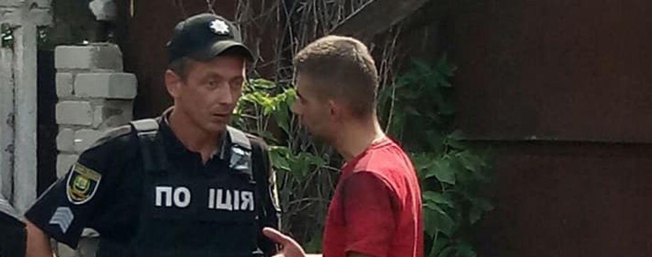 """В Мариуполе украинских офицеров заметили за рулем авто с номерами """"ДНР"""""""