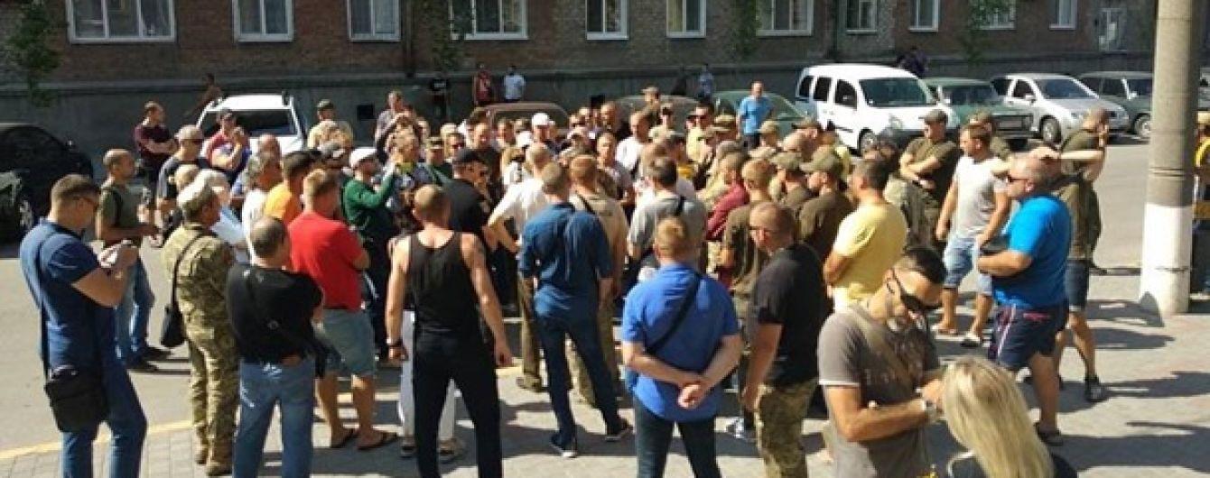 В Бердянске активисты требовали найти убийц ветерана АТО Олешко