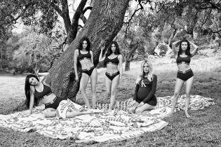 Вагітна Хлое та Кім у трусах: сестри Кардашян знялися в атмосферній чорно-білій фотосесії