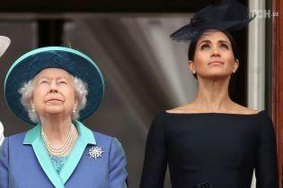 Королівська родина розробила плани порятунку Меган Маркл після інтерв'ю її батька