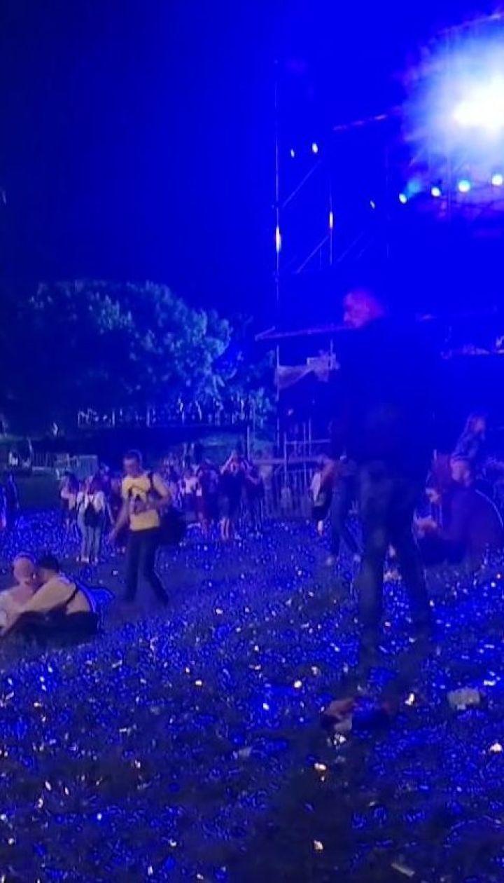 Киевляне жалуются на разрешение руководства ботсада проводить концерты в природоохранной зоне
