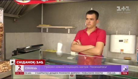 В Киеве шаурмой отравились более 60 человек