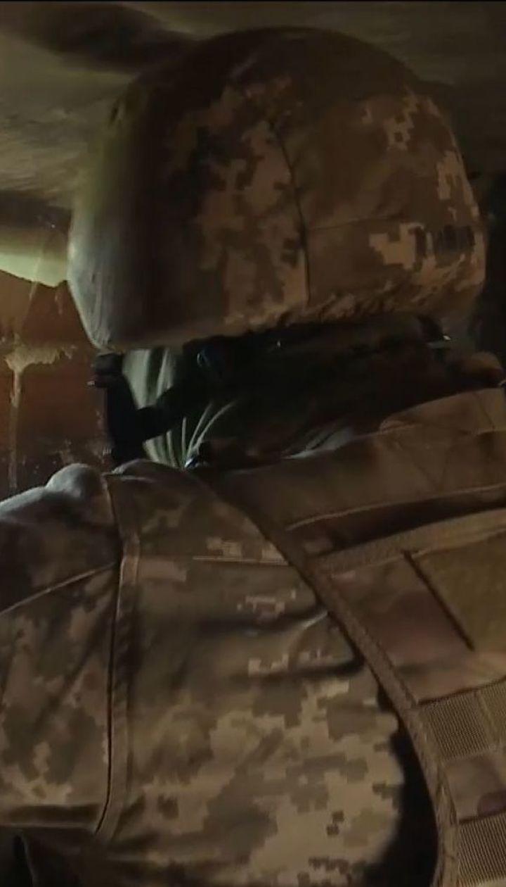 Українські військові повідомляють про обстріли уздовж усієї лінії фронту