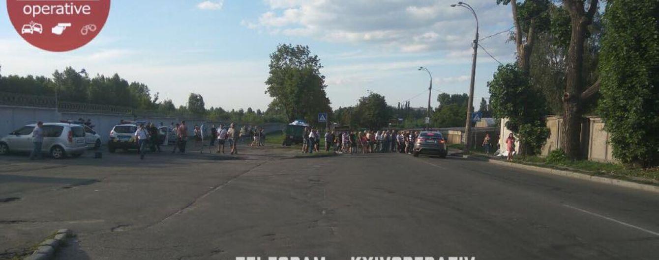 В Киеве владельцы гаражей кровью отстаивают свое имущество