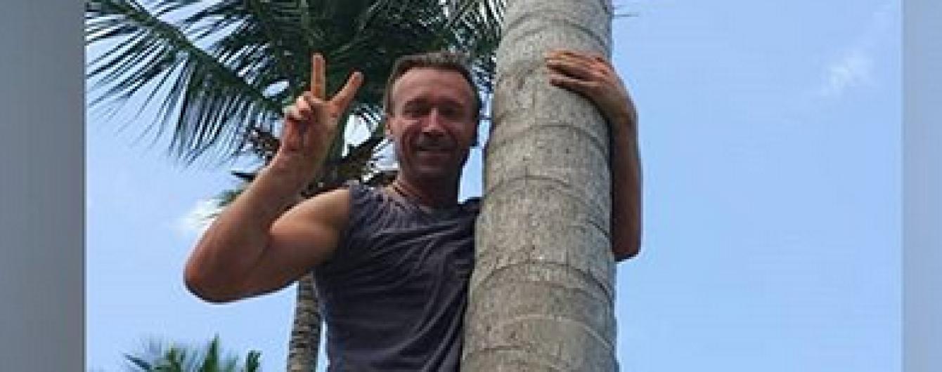 Фото на пальмі і в басейні: Олег Винник насолоджується відпочинком у Домінікані