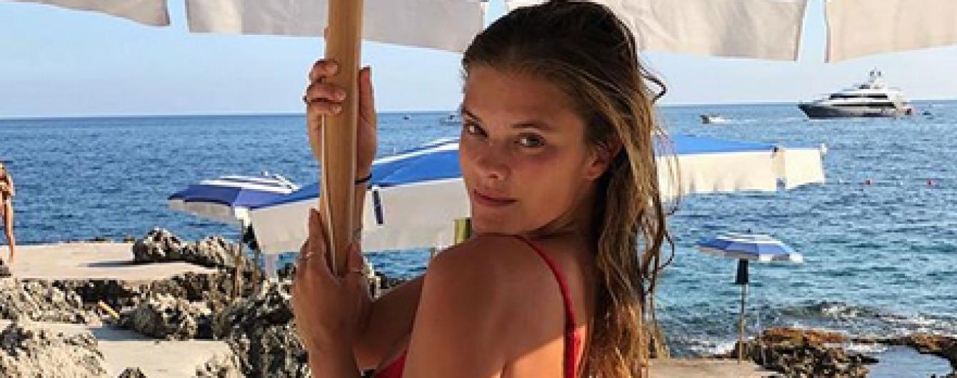 Пляж, бікіні і коктейль: колишня дівчина Ді Капріо - Ніна Агдал, насолоджується відпочинком