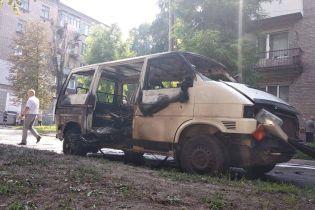 На Дніпропетровщині підірвався мікроавтобус з місцевим депутатом