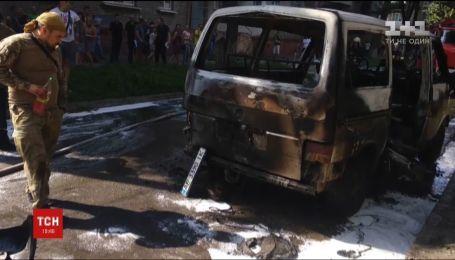 У Кам'янському вибухнув мікроавтобус з депутатом