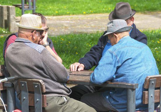 Чиновники проведуть ревізію українських пенсіонерів
