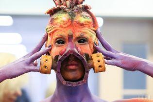 Заводи з плечей і комахи на губах: українці вразили своїми образами на фестивалі боді-арту в Австрії