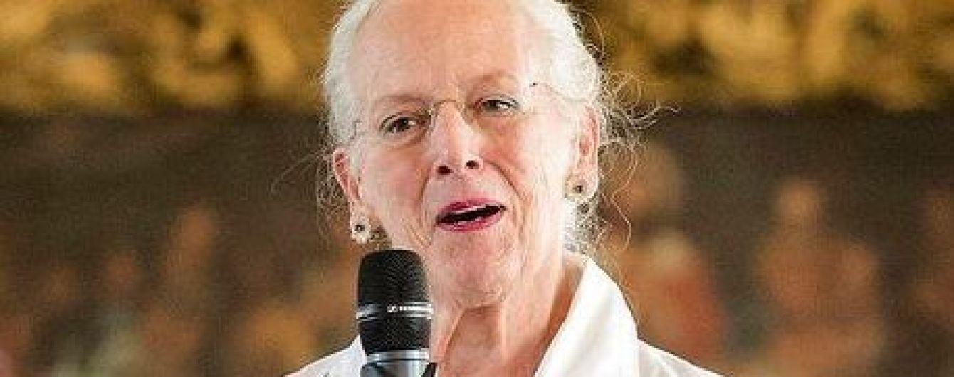 В белом платье с широким поясом на талии: новый образ королевы Маргрете II