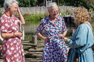 В пестром платье и с ярким маникюром: 78-летняя королева Маргрете II сходила в музей