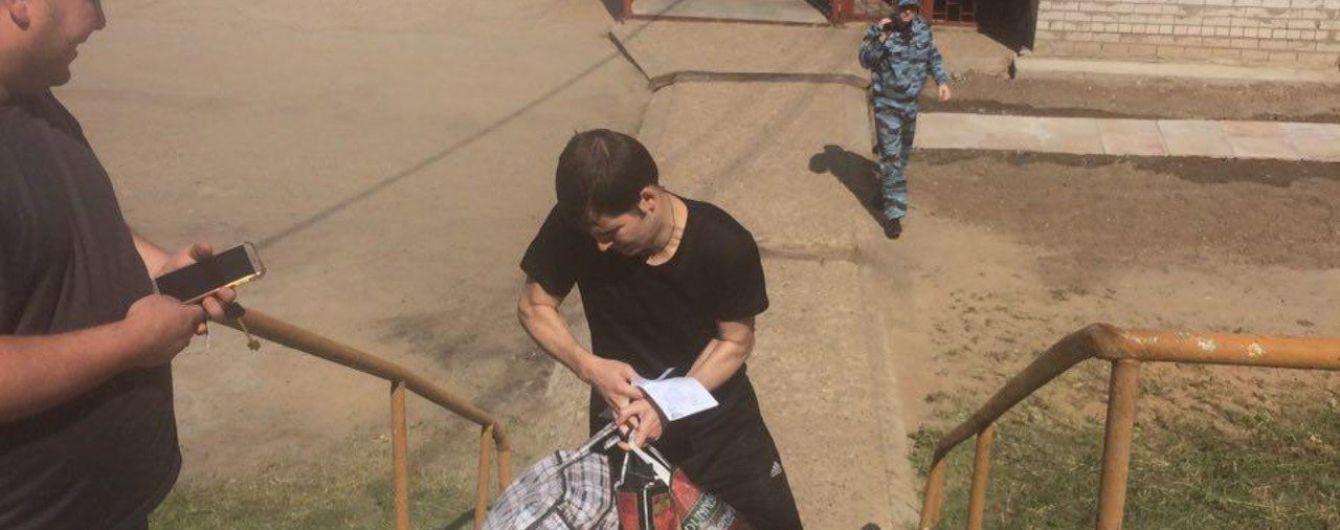 Політв'язень Костенко прибув до посольства України у Москві