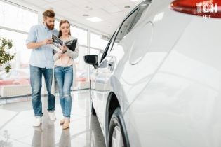У Білорусії планують відмовити водіям в придбанні авто за готівку