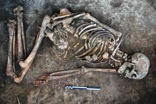 """""""Женщина с татуировками"""". Украинские ученые рассказали ТСН об уникальной находке возрастом 4500 лет"""