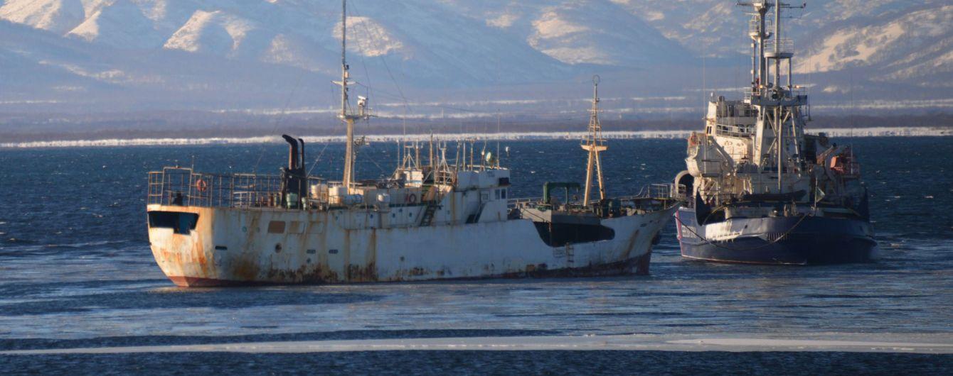 Росіяни затримали жителя Аляски, який приплив із США на човні