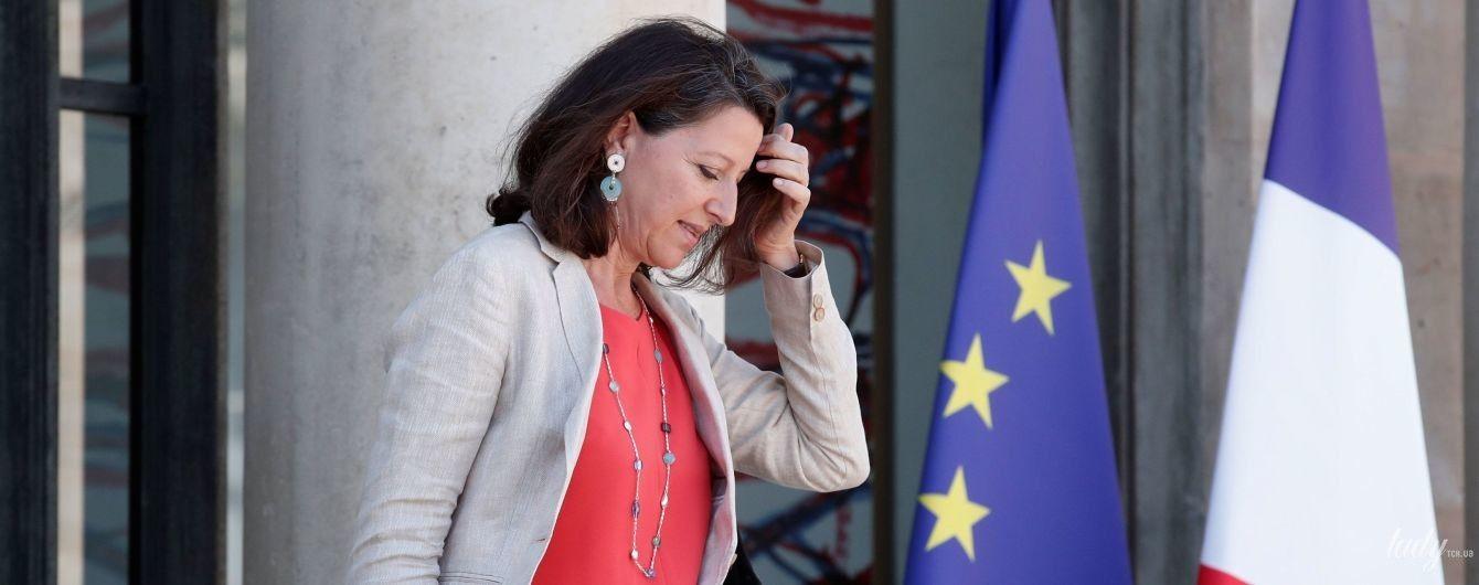 Яркие и стильные: министры здравоохранения и юстиции Франции в эффектных образах на рабочем заседании