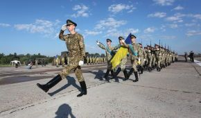 На парад до Дня Незалежності в Україну прибуде представник Трампа