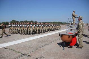 В параде ко Дню независимости Украины впервые примут участие женщины-военные