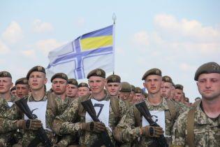 Слава Украине: тысячи военных тренируют строевой шаг на заводе Антонова накануне парада