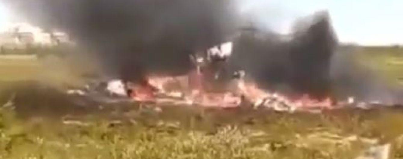 Появилось видео первых минут после падения вертолета Ми-8 в РФ