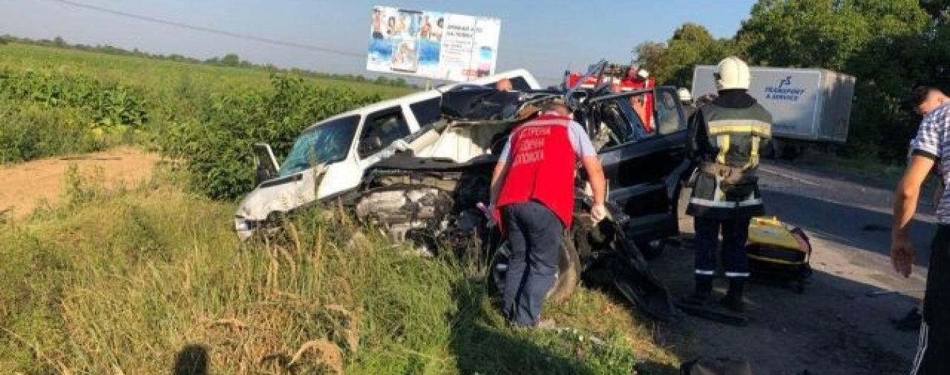 Из-за масштабного ДТП в Закарпатской области перекрыли трассу Киев-Чоп