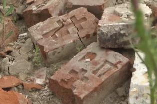 На Вінниччині нелегально розбирають на цеглини старовинну цукроварню графів Потоцьких