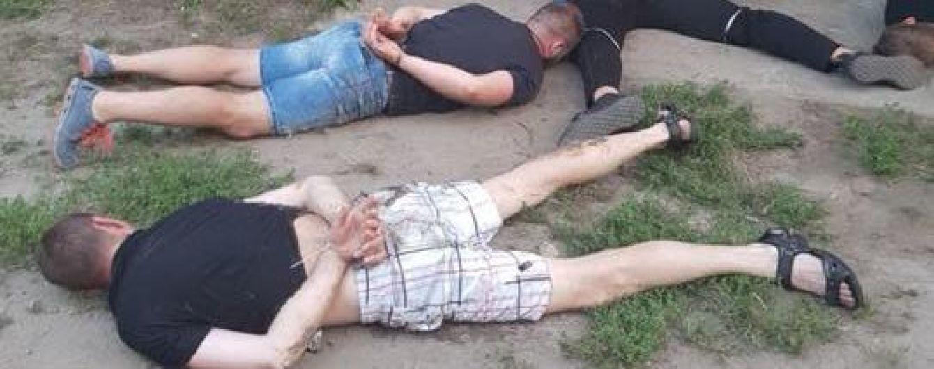 """На Кіровоградщині під час """"сходки"""" правоохоронці затримали понад 30 кримінальних авторитетів"""