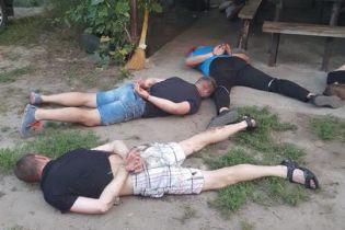 """На Кировоградщине во время """"сходки"""" правоохранители задержали более 30 криминальных авторитетов"""